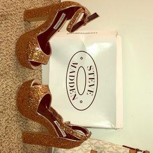 Wacky Gold Glitter Steve Madden high heel shoe